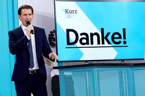 Kurz kiitti kannattajiaan puheessaan sunnuntaina. Hän ilmoitti haluavansa odottaa lopullista vaalitulosta ennen kuin hän kommentoi suunnitelmiaan tarkemmin.