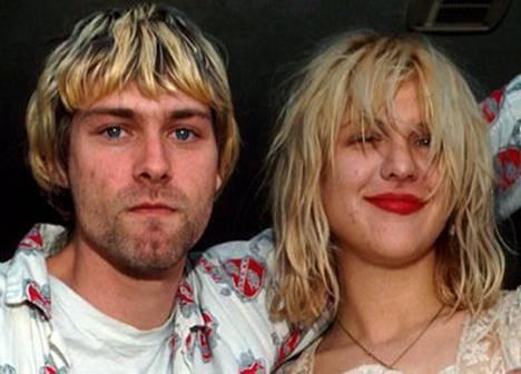 Kurt Cobain ja Courney Love eivät jouluna kärsineet joulumässäilyn aiheuttamasta ähkystä. Pariskunnan aika kului nimittäin huumeita metsästäen.