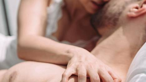 Itsessä ole mitään vialla, jos orgasmin kanssa on ollut haasteita. Toisilla orgasmin oppiminen vie vain pidemmän aikaa.