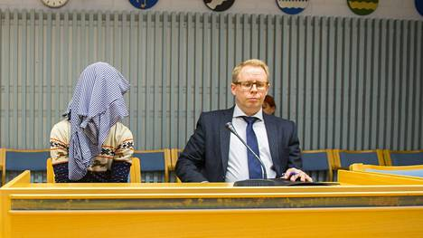 Alle parikymppinen mies vangittiin Oulun käräjäoikeudessa perjantaina.