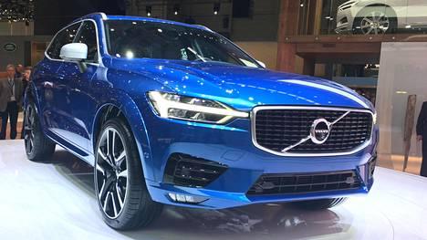 Volvon muiden mallien tapaan uuteen XC60:een on sisäänrakennettu autonomisen ajamisen ominaisuuksia, kuten automaattinen hätäjarrutusjärjestelmä.