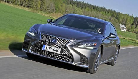 Lexus voitti omissa segmenteissään LS-, IS- ja RX-malleillaan. Kuvassa LS 500h.