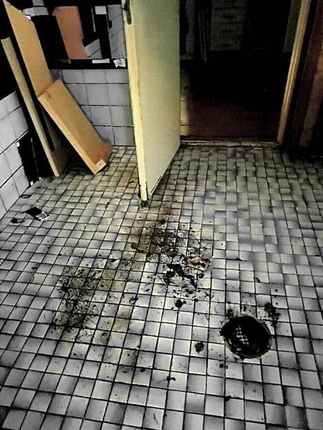 Märkätiloissa oli asukkaan vuokralaisen jäljiltä tiedossa remonttia.