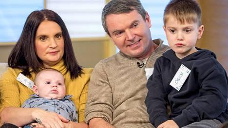 Radfordien perheeseen syntyy pian 22. lapsi. Pari kertoo asiasta Youtubessa.