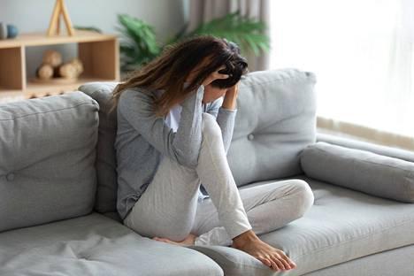 Pitkittyneen stressin kokeminen on niin yleistä, että sitä pidetään liki riesana, jonka kanssa on vain pärjäiltävä.