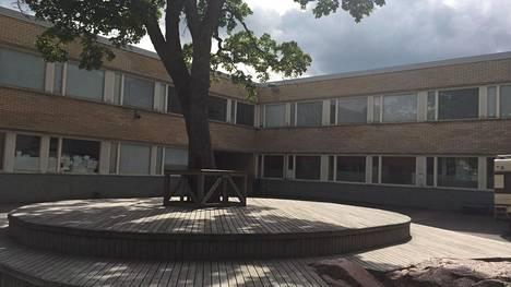 Samppalinnan koulu Turussa.
