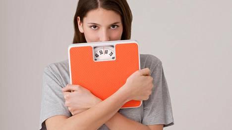 –Biologinen normaalipaino on lukema, johon paino asettuu, kun syöt riittävästi, liikut ja elämäsi on tasapainossa, Ulla Kärkkäinen toteaa.