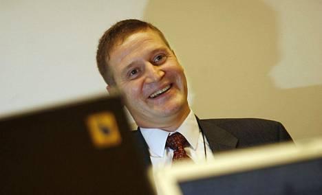 KuntaIT-johtajalla ei ole luppoaikaa. – Meillähän noudatetaan täällä valtion työaikaa, Antti Holmroos sanoo.