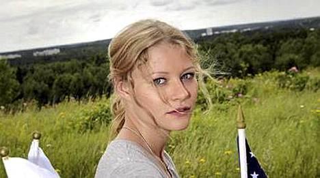 Emilie de Ravin saapuu jälleen Suomeen.