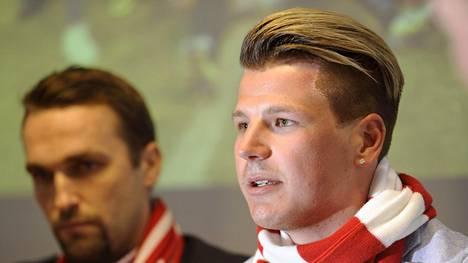 Henri Määttä (oik.) lähti HIFK:sta.