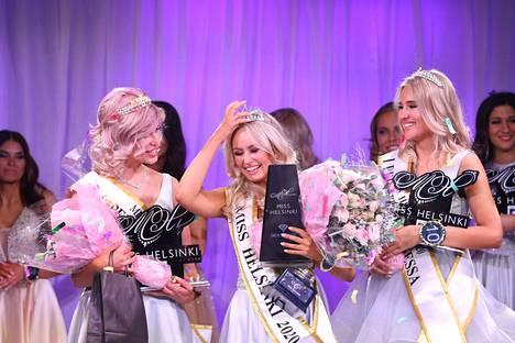 Inna Tähtinen kruunattiin Miss Helsingiksi lokakuussa 2019. Inna puhkesi lavalla kyyneliin heti, kun hänen nimensä kuulutettiin voittajan kohdalla.
