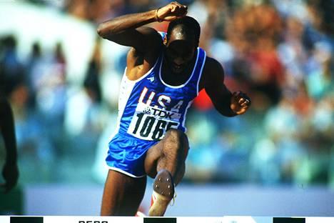 Edwin Moses muistelee edelleen katkerana Moskovan olympialaisia. Kuvassa aituri Rooman MM-kisoissa 1987.