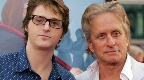 Cameron ja Michael Douglas vuonna 2009.