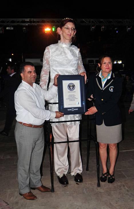 Gelgi oli vuonna 2014 maailman pisin teinityttö.