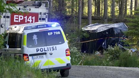 Kuolonuhrin vaatineen Seinäjoen SM-rallin turvallisuusjärjestelyjä tehostettiin – kilpailunjohtaja: ei koko aluetta voi aidatakaan