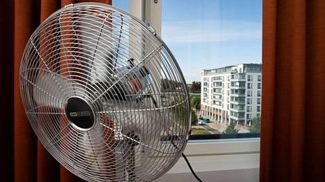 THL varoittaa: Liian lämpimässä tuuletinta ei pidä käyttää ollenkaan – voi olla riski terveydelle