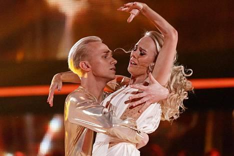 Christoffer ja Jutta hurmasivat tuomarit freestyle-numerollaan.