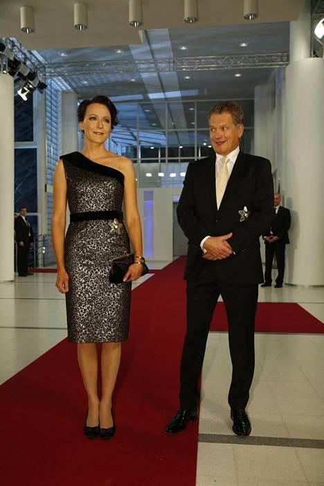 Vuonna 2013 Haukio valitsi puvukseen Tampere-talolle soveltuvasti poikkeuksellisesti lyhythelmaisen asun. Presidentti yltyi poikkeuksellisesti kommentoimaan vaimonsa tyyliä: –Tarvitseeko minun mielipidettäni edes kuulla, se on kerrassaan upea, Niinistö sanoi.
