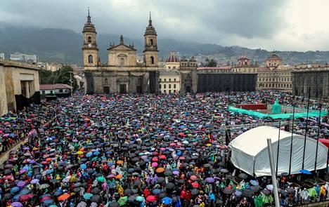 Arviot mielenosoituksiin osallistuneiden määrästä vaihtelivat.