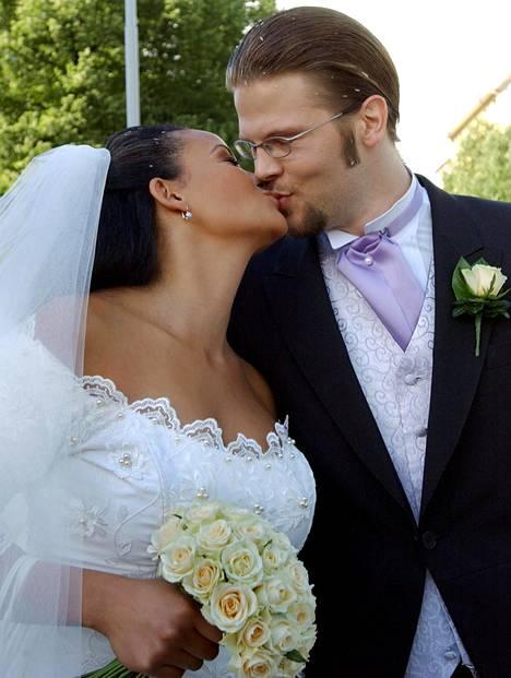 Lola ja Jarkko Wallinkoski avioituivat elokuussa 2005.