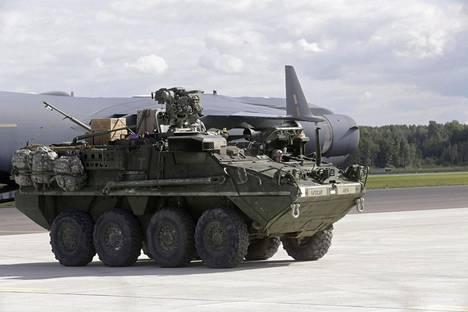 Yhdysvallat tuo Stryker-panssariajoneuvonsa Suomeen.