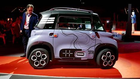 Citroën Ami vaikuttaa sekoitukselta robotti-imuria ja kaksipaikkaisten autojen Smart -klassikkoa.
