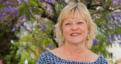 Liisa Linnala johtaa Suomi-Kerhoa.
