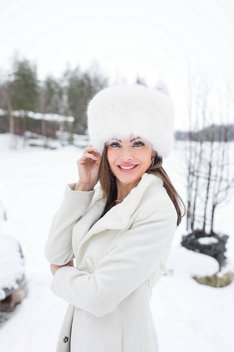 Riina-Maija Palander on pöyristynyt, että julkisuudessa hänet on yhdistetty romanttisessa mielessä suomalaiseen näyttelijään. Tämän jälkeen Riina kertoo ottaneensa häneen yhteyttä, koska halusi pahoitella tilannetta.