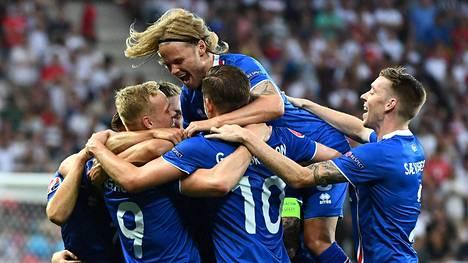 Islanti on noussut hetkessä koko jalkapalloa seuraavan Euroopan suureksi puheenaiheeksi.