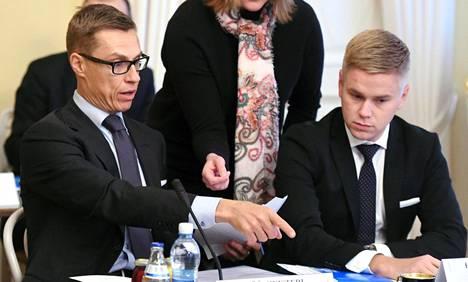 Alexander Stubb ja Joonas Turunen Smolnassa Helsingissä 9. helmikuuta 2015.