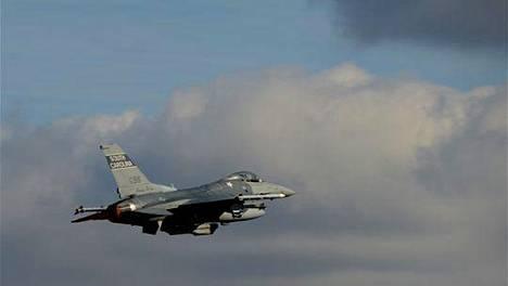 Etelä-Carolinan kansalliskaartin julkaisema kuva F-16-hävittäjästä.