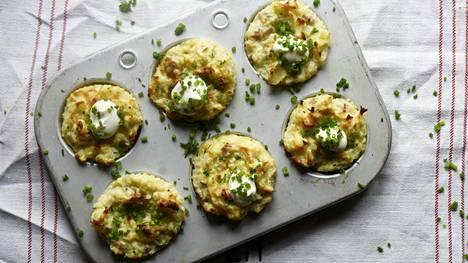 Perunamuusista valmistetut muffinit maustetaan muskottipähkinällä.