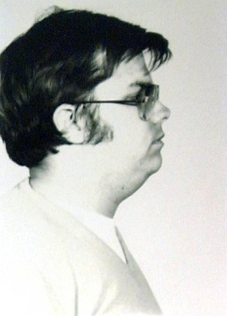 Mark Chapman istuu elinkautista tuomiotaan Attican valtionvankilassa New Yorkin osavaltiossa.