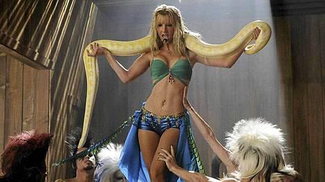 Heather Morris esitti Britney Spearsia Gleessä hienosti.