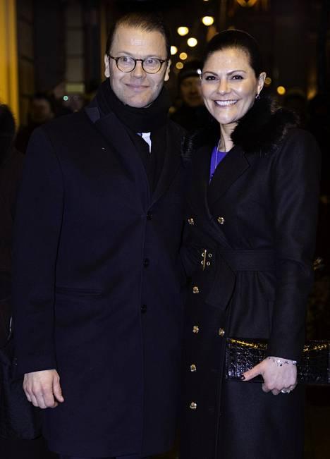 Victorialla oli muutamia kumppaneita ennen kuin hän tapasi Daniel Westlingin.