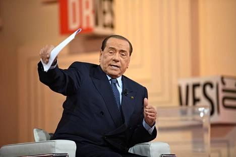 Berlusconi italialaisessa televisio-ohjelmassa maaliskuun 14. päivä.