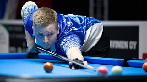 Jani Uski aloitti Finnish Pool Tourin vahvasti kahdella voitolla ennen koronataukoa.