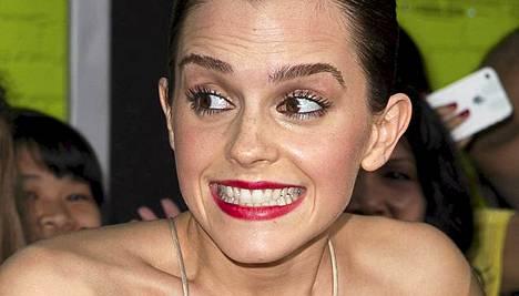 Emma Watson tajusi näyttäneensä liikaa.