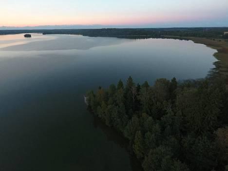 Yksi suositelluista kohteista on hyytävän historian omaava Bodomjärvi.