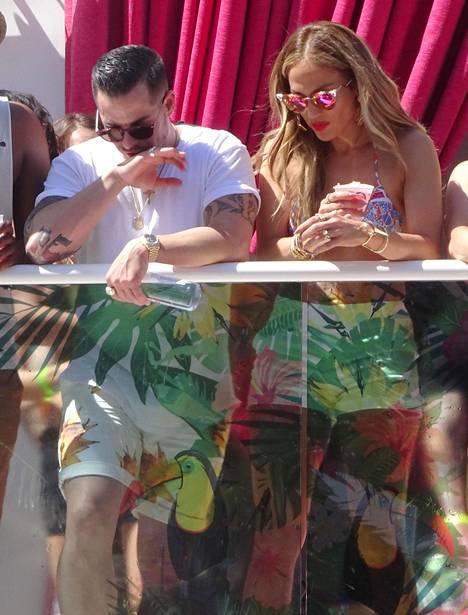 Jennifer Lopez ja tanssija-koreografi Casper Smart, 29, ovat jälleen pariskunta.