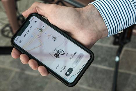 Bond-pyörien sovellukseen ladataan luottokorttitiedot ja kuva ajokortista. Vapaat pyörät näkyvät kartalla.