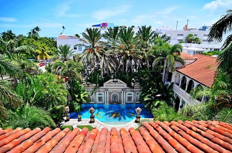Gianni Versacen kattoterassilta on hyvät näkymät.