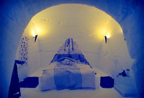 LumiHotelli sijaitsee Kemin LumiLinnassa.