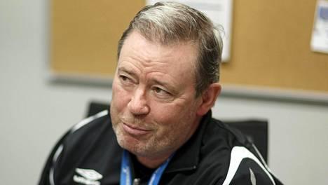 Keith Armstrong valmentaa nykyisin Hakaa.