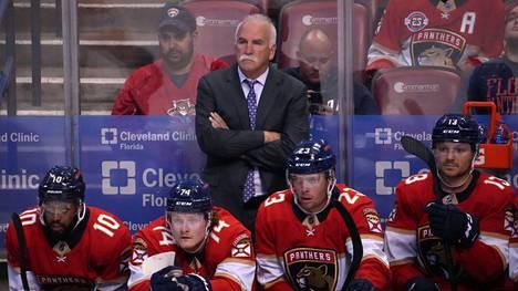 Paine Florida Panthersin valmentajan Joel Quennevillen ympärillä kasvoi hänen johdettuaan joukkuetta yön ottelussa Boston Bruinsia vastaan.