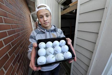 –Jossain vaiheessa näin myynti-ilmoituksen käytetyistä golfpalloista ja ajattelin, että ostetaas ne pois, Viljami Virta kertoo bisneksensä alkutaipaleesta.