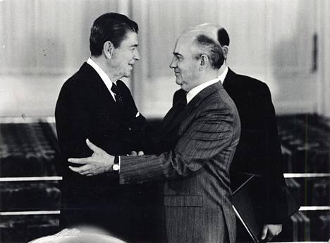 Ronald Reagan ja Mihail Gorbatshov Moskovan huippukokouksessa 1988.