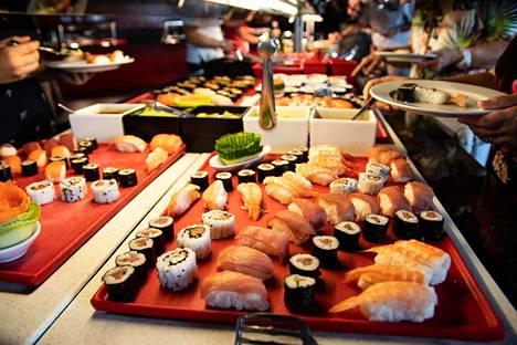 Perinteinen sushibuffet ei kiehdo japanilaista kokkia.