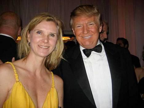 –Se oli tosi kiva jutteluhetki, ja hän oli tosi symppis, Kristiina Helenius muistelee tapaamistaan tosi-tv-tähti Donald Trumpin kanssa cocktail-kutsuilla vuonna 2011.