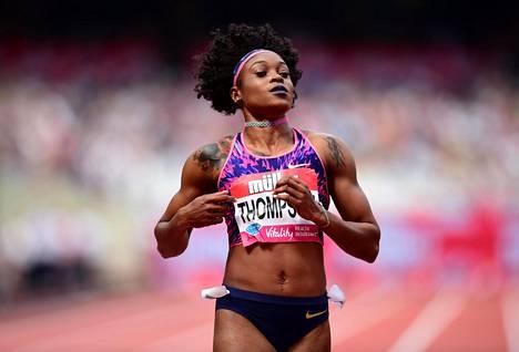 Thompson on tällä kaudella juossut 100 metriä parhaimmillaan aikaan 10,71 ja 200 metriä aikaan 21,98.